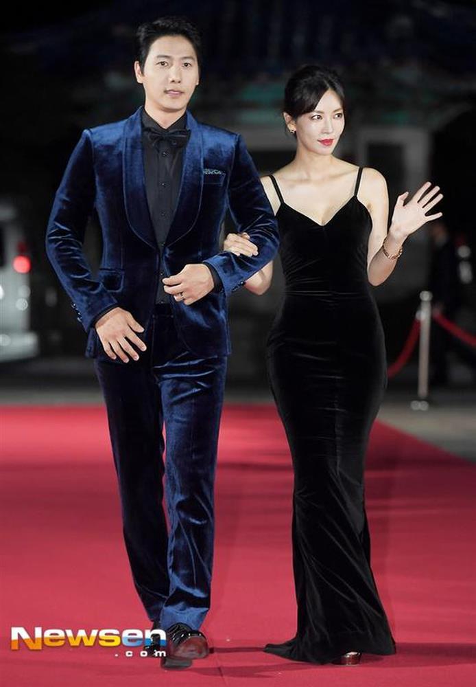 """Chẳng ngờ Ác nữ Penthouse"""" Kim So Yeon từng lên đồ táo bạo tột bậc, style hack dáng nhưng phản cảm đi vào lịch sử-10"""