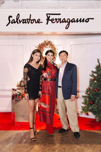 Đọ sắc những bà mẹ đại gia của hội rich kid: Bà trùm hàng hiệu Thủy Tiên sở hữu thần thái đỉnh cao, mẹ Phan Thành bí ẩn nhất Sài thành-18