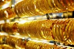 Giá vàng hôm nay 31/3: USD tăng vọt, vàng tụt giảm-2