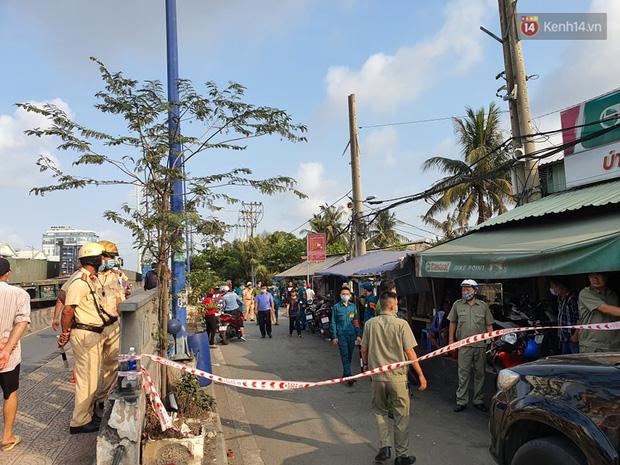 Cháy nhà ở Sài Gòn khiến 6 người trong gia đình tử vong, người thân khóc ngất tại hiện trường-11