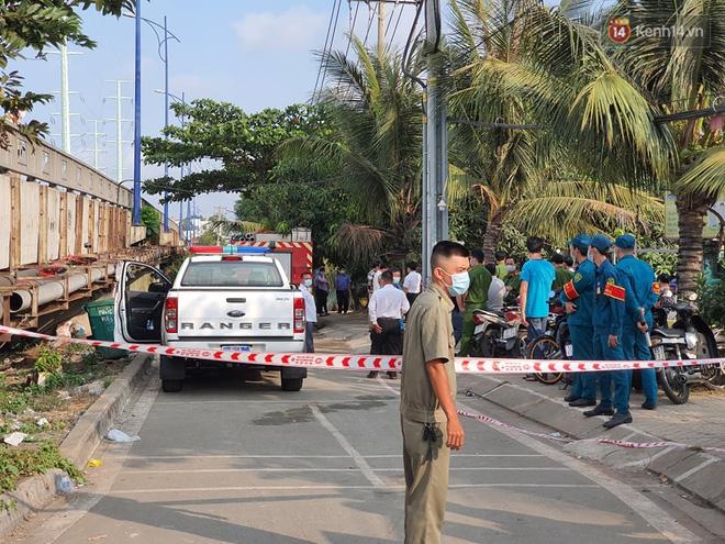 Cháy nhà ở Sài Gòn khiến 6 người trong gia đình tử vong, người thân khóc ngất tại hiện trường-7