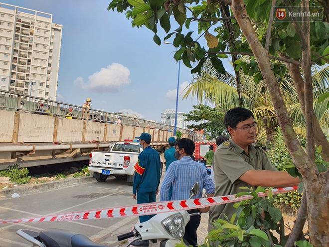 Cháy nhà ở Sài Gòn khiến 6 người trong gia đình tử vong, người thân khóc ngất tại hiện trường-8