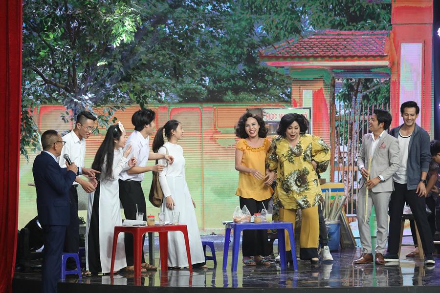 NSND Hồng Vân giải thích nguyên nhân vì sao nghệ sĩ không được uống nước mía-2