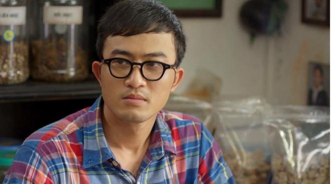 Hướng dương ngược nắng: Vì sao Doãn Quốc Đam đề xuất đeo kính cho nhân vật Phúc?-1