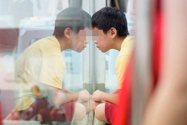 Hơn 530.000 trẻ em Trung Quốc bị dậy thì sớm: BS đưa ra 3 dấu hiệu nhận biết nhưng hầu hết bố mẹ đều chủ quan-1