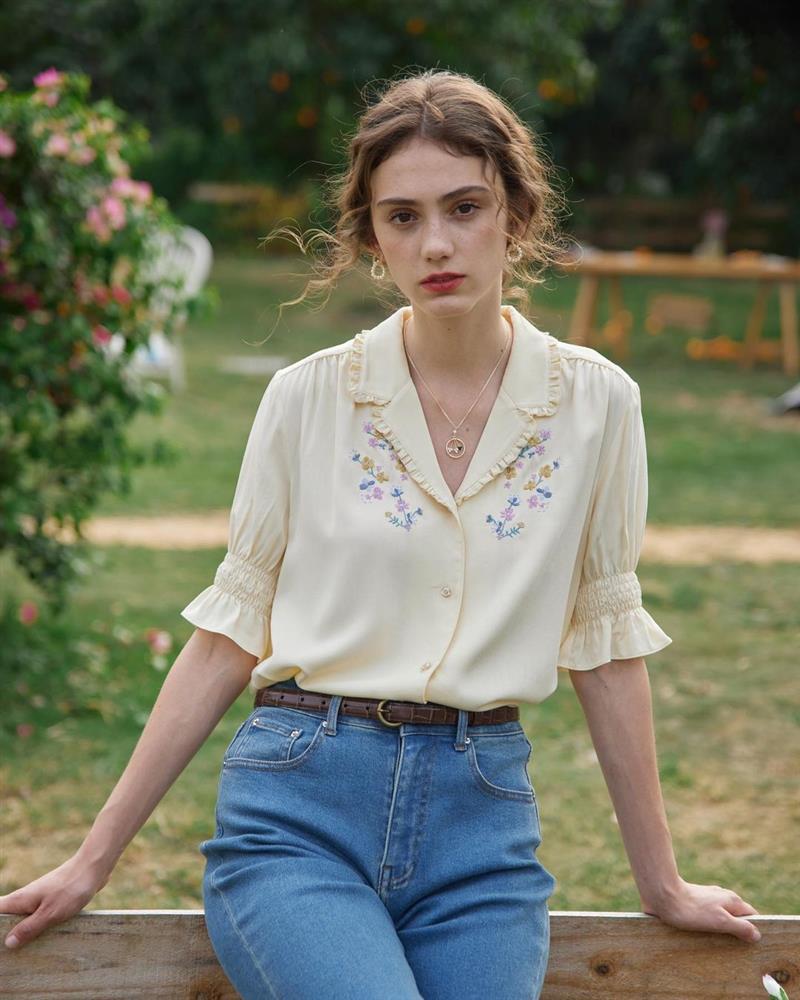 5 kiểu áo sơ mi chân ái của gái Pháp, lên đồ đơn giản cũng đạt tròn 100 điểm tinh tế-14