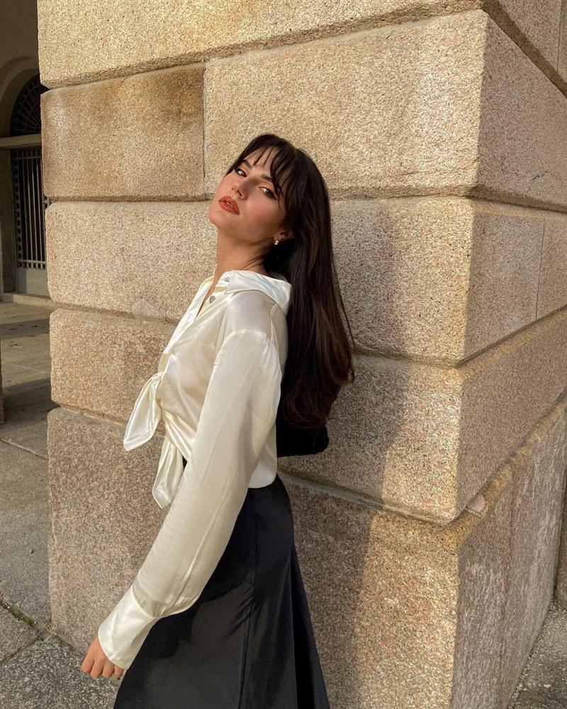 5 kiểu áo sơ mi chân ái của gái Pháp, lên đồ đơn giản cũng đạt tròn 100 điểm tinh tế-2