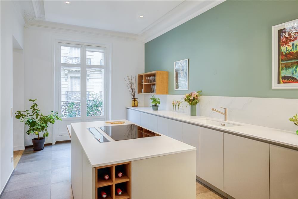 9 màu sơn xanh lá cây cần để mắt tới giúp căn bếp nhà bạn luôn mát mẻ mà không bao giờ bị lỗi mốt-6