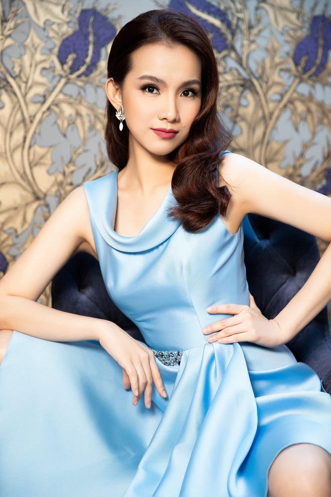 Hoa hậu Hoàn vũ Việt Nam đầu tiên, lấy chồng tiến sĩ giờ ra sao?-9