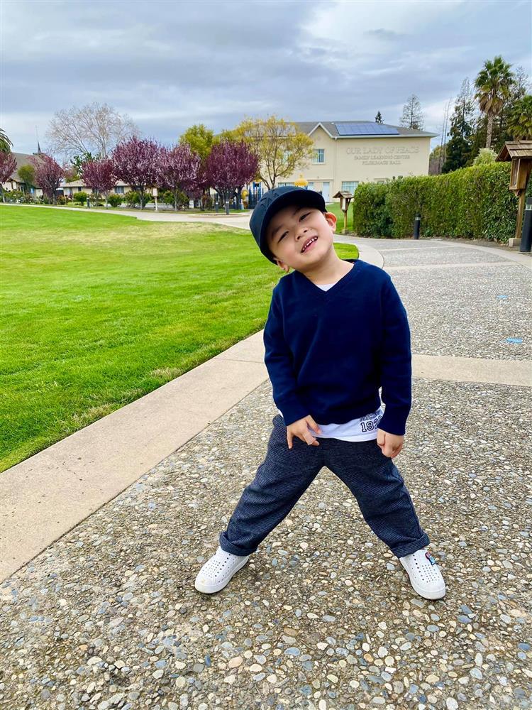 Con trai 4 tuổi của Đan Trường: Check-in sang chảnh đi Hawaii, điển trai lại còn dùng toàn đồ hiệu nhìn mà ngưỡng mộ-4