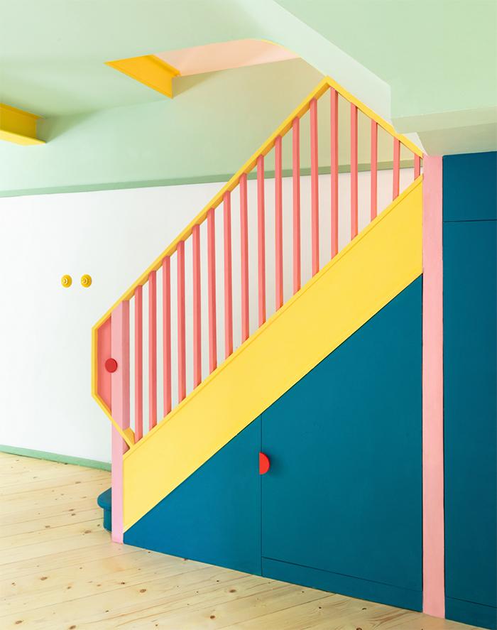 Ngôi nhà của người làm trong ngành thời trang trông sẽ như thế nào? Căn hộ hình học 17 màu chủ đạo sẽ khiến bạn phải choáng ngợp-8