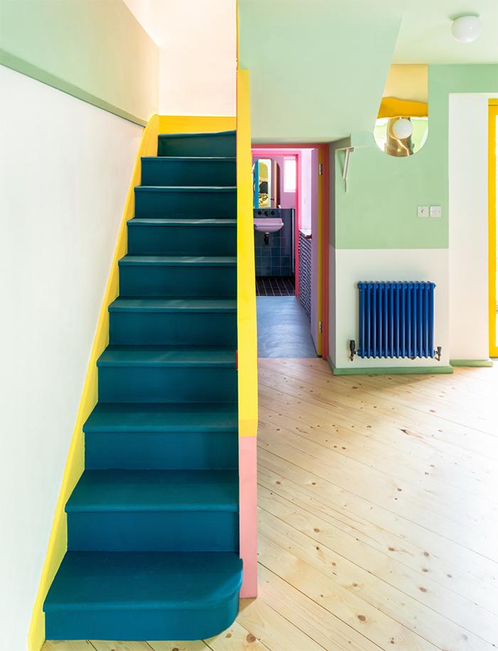 Ngôi nhà của người làm trong ngành thời trang trông sẽ như thế nào? Căn hộ hình học 17 màu chủ đạo sẽ khiến bạn phải choáng ngợp-9