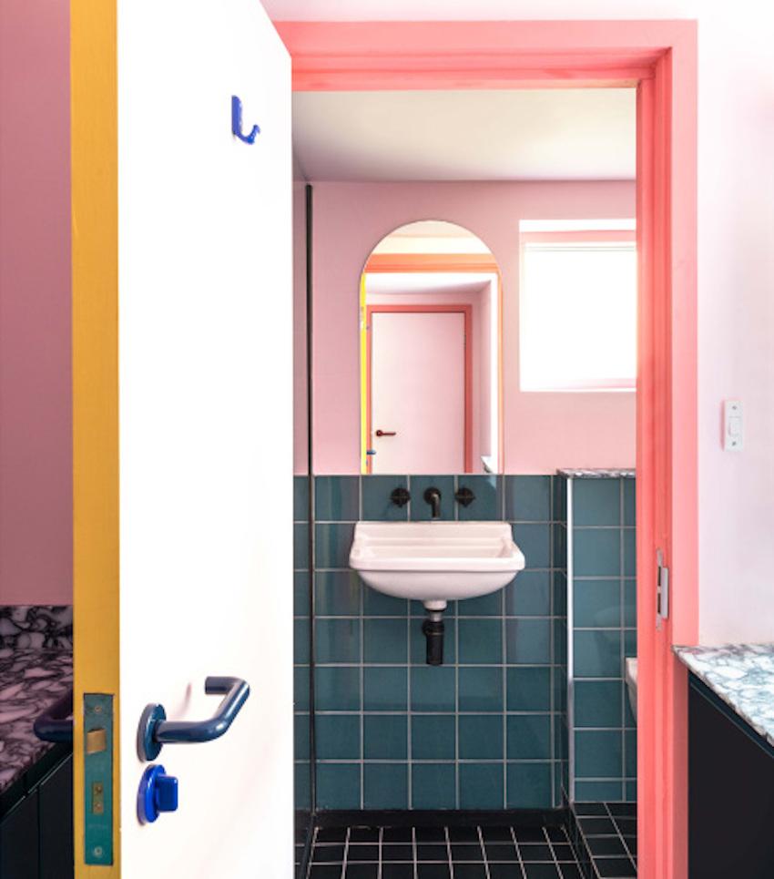 Ngôi nhà của người làm trong ngành thời trang trông sẽ như thế nào? Căn hộ hình học 17 màu chủ đạo sẽ khiến bạn phải choáng ngợp-10
