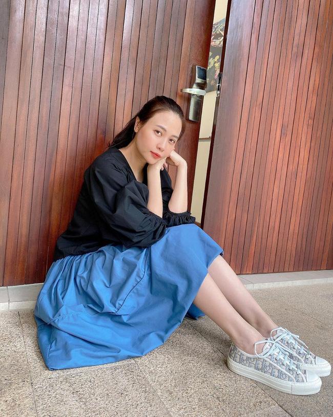 Đàm Thu Trang lên đồ đơn giản mà ngày càng trẻ trung và thời thượng, đôi khi còn xịn như gái Hàn-1