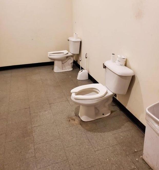 Những chiếc toilet có khả năng trêu ngươi cực cao, ai nhìn cũng phải thốt lên: Ủa, là sao?-5