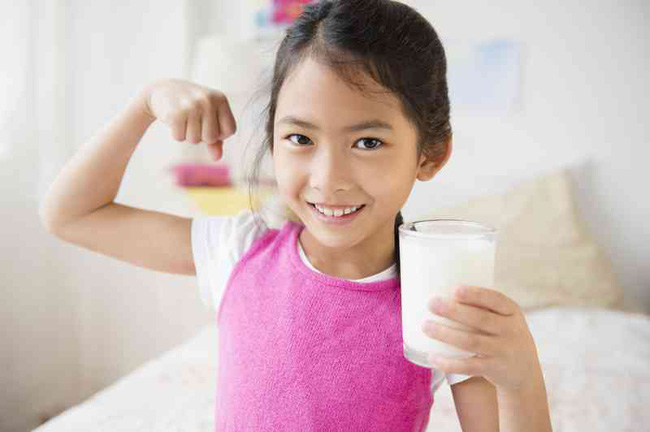 Thấy con gái càng lớn càng xấu, răng mọc không đều, bố mẹ không ngờ nguyên nhân do 1 thói quen lúc ngủ-4