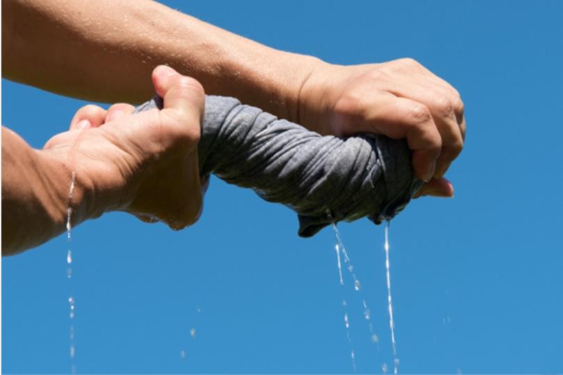 6 mẹo làm khô quần áo vào mùa mưa mà không bị hôi-2