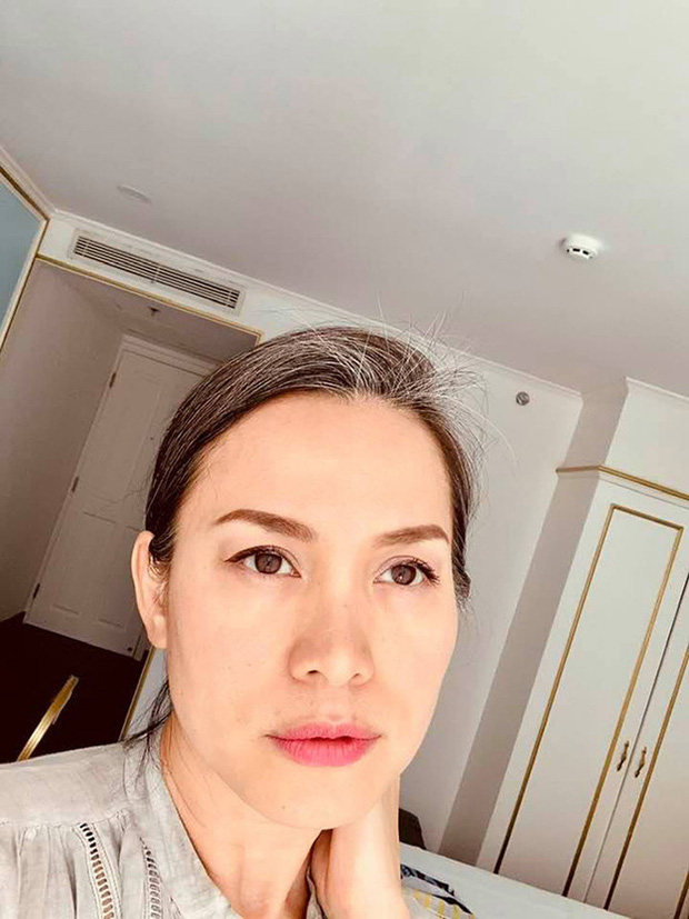 Hoa hậu Việt Nam 1998 Ngọc Khánh: Đầu đầy tóc bạc nhưng nhan sắc lại gây bất ngờ-3