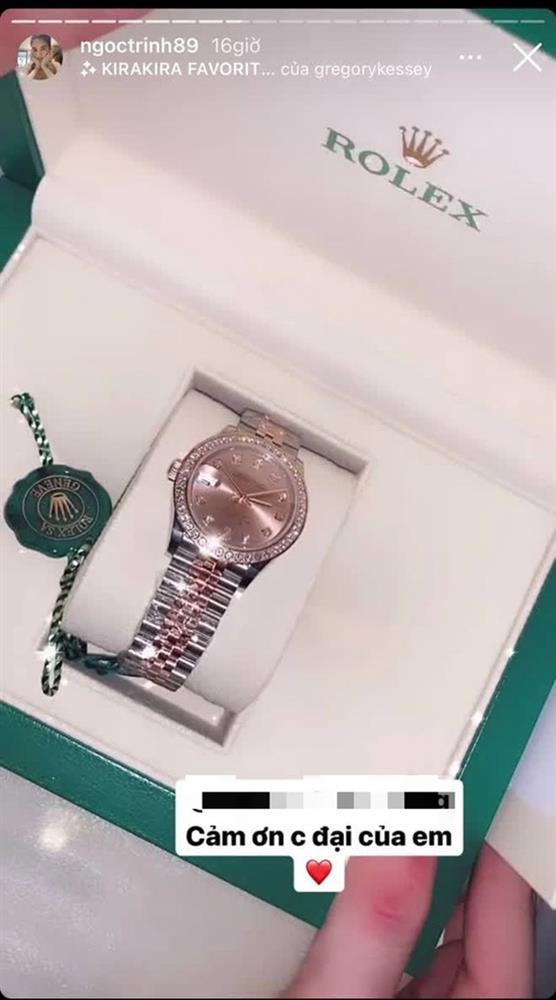 Ngọc Trinh được bạn thân tặng đồng hồ mới giá khủng sau vụ mất trộm BST 15 tỷ chấn động Vbiz-1