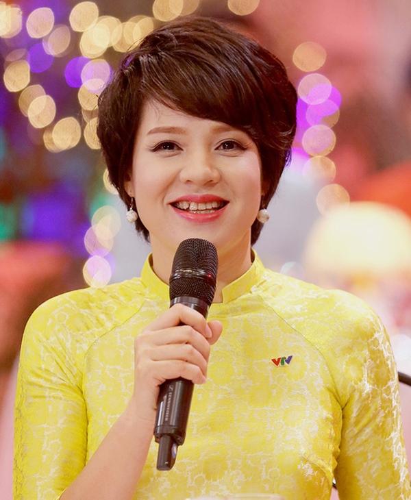 MC Diễm Quỳnh lần đầu tiết lộ lý do từ chối làm việc ở Bộ Ngoại giao để vào VTV-1