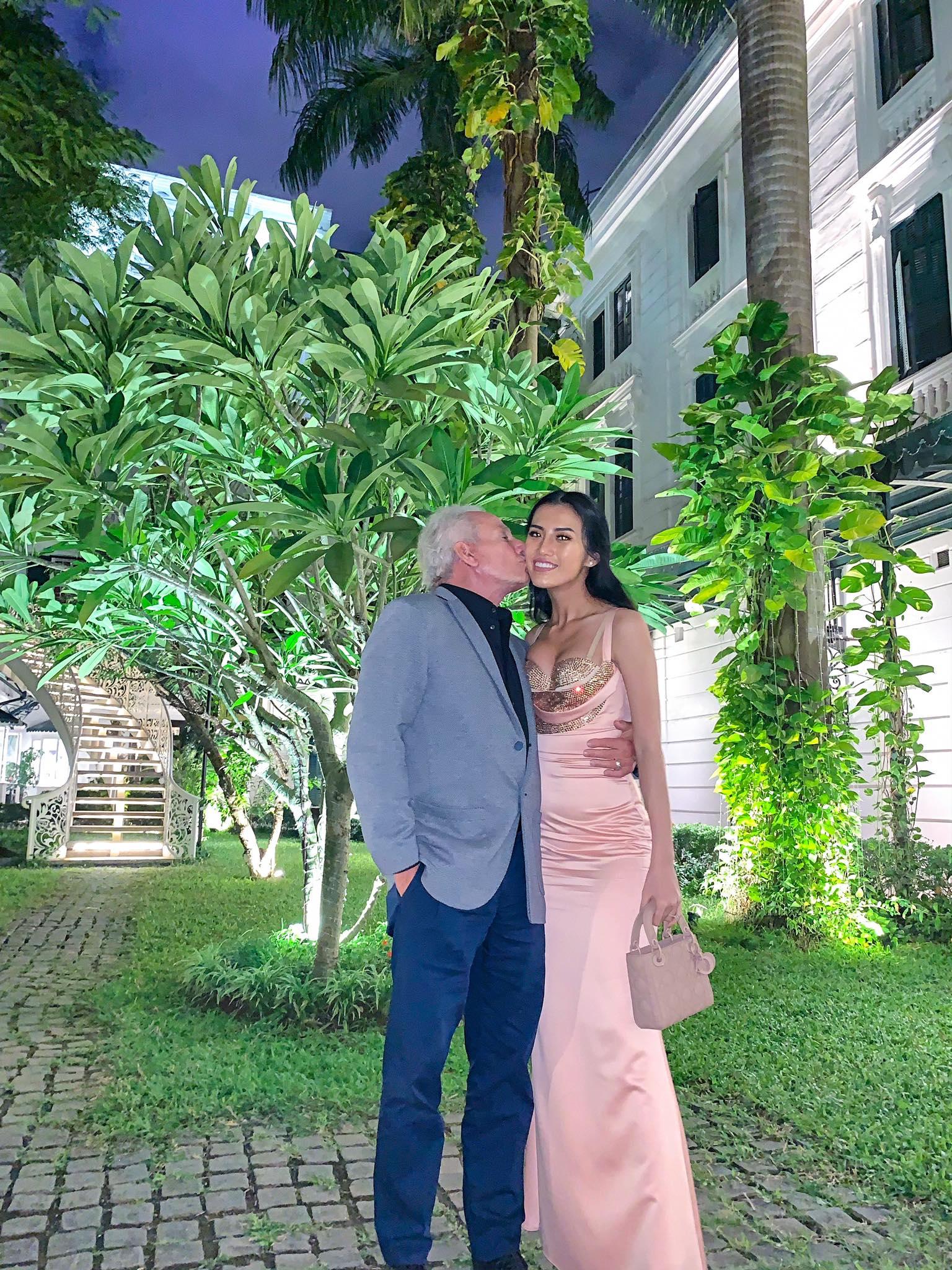 Cô gái Việt 26 tuổi tuyên bố chia tay tỷ phú Mỹ 72 tuổi dù đã đính hôn ở khách sạn 6 sao: Quyết chấm dứt vì lý do không tin nổi-5