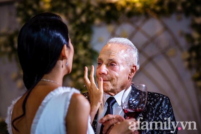 Cô gái Việt chia tay chồng sắp cưới tỷ phú Mỹ 72 tuổi tiết lộ lý do sâu xa dẫn đến tan vỡ và tuyên bố: Nếu yêu anh ấy vì tiền, không ai ngu mà bỏ-4