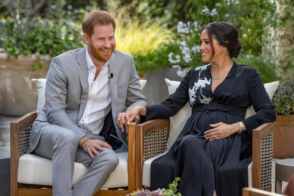Harry đưa ra phát ngôn mới khiến hoàng gia Anh giận sôi máu, lộ lý do thôi thúc Meghan quyết tâm trả thù nhà chồng-1