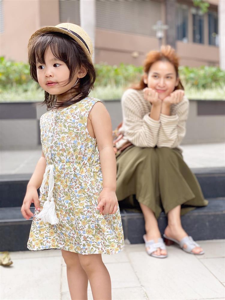 Tú Vi - Văn Anh khoe ảnh con gái tròn 3 tuổi xinh như thiên thần, tiết lộ sẽ cho con học một thứ đặc biệt khi vào lớp 1-7