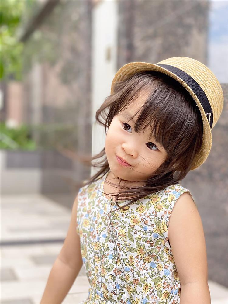 Tú Vi - Văn Anh khoe ảnh con gái tròn 3 tuổi xinh như thiên thần, tiết lộ sẽ cho con học một thứ đặc biệt khi vào lớp 1-8