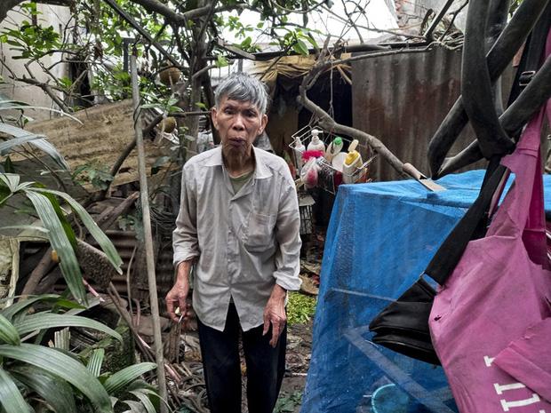 Cận cảnh căn nhà cấp bốn bị rác bủa vây của nữ lao công bị sát hại thương tâm-6
