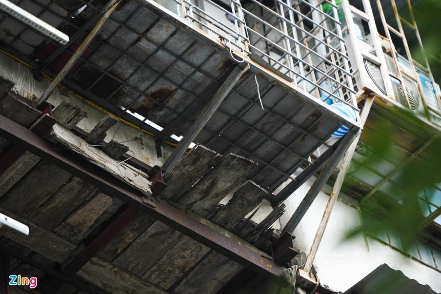 Hiểm họa từ những nhà ống không lối cầu sinh-12