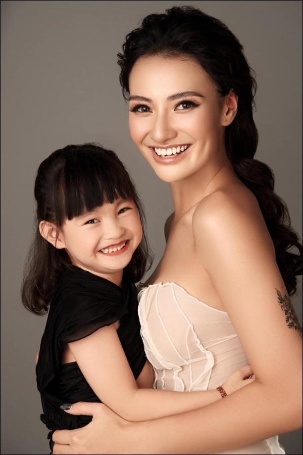Con gái mới 5 tuổi, Hồng Quế đã chơi lớn mua tặng ba lô xịn xò, cách người mẫu dạy con ứng xử mới gây chú ý-4
