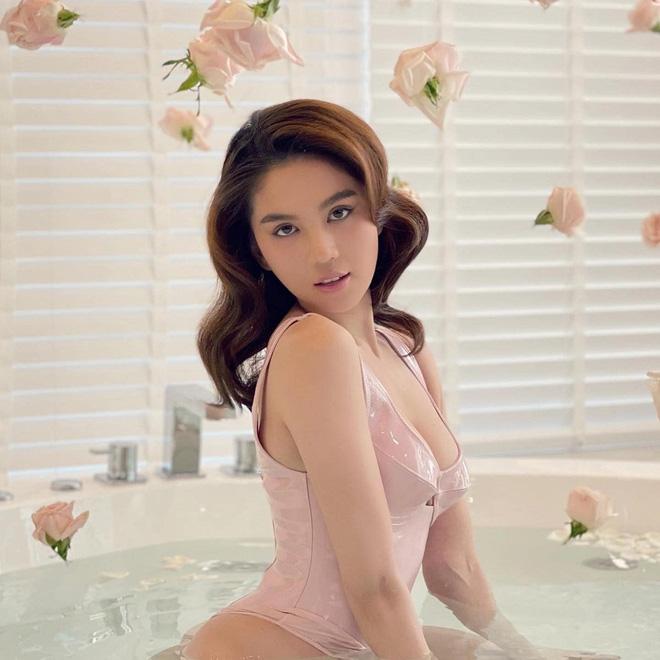 Thập kỷ lột xác của Ngọc Trinh: Người mẫu bị chê khi đi thi Hoa hậu giờ hóa nữ hoàng nội y, 16 năm chỉ thừa nhận sửa 1 chỗ-36