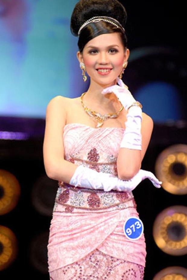 Thập kỷ lột xác của Ngọc Trinh: Người mẫu bị chê khi đi thi Hoa hậu giờ hóa nữ hoàng nội y, 16 năm chỉ thừa nhận sửa 1 chỗ-2