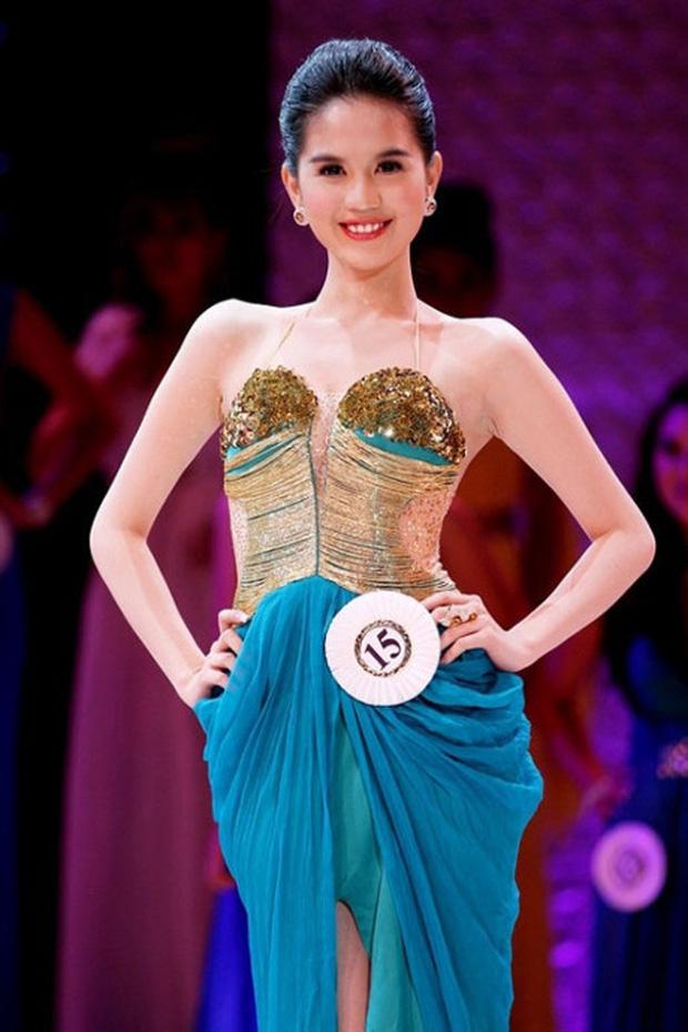 Thập kỷ lột xác của Ngọc Trinh: Người mẫu bị chê khi đi thi Hoa hậu giờ hóa nữ hoàng nội y, 16 năm chỉ thừa nhận sửa 1 chỗ-10