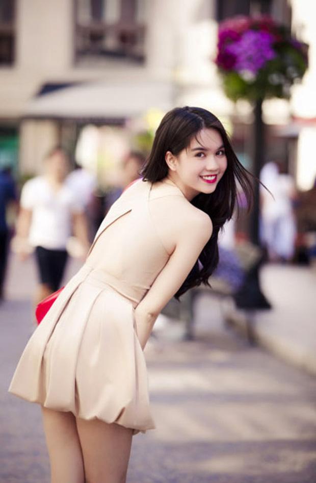 Thập kỷ lột xác của Ngọc Trinh: Người mẫu bị chê khi đi thi Hoa hậu giờ hóa nữ hoàng nội y, 16 năm chỉ thừa nhận sửa 1 chỗ-15