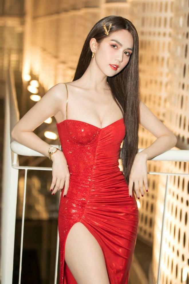 Thập kỷ lột xác của Ngọc Trinh: Người mẫu bị chê khi đi thi Hoa hậu giờ hóa nữ hoàng nội y, 16 năm chỉ thừa nhận sửa 1 chỗ-22