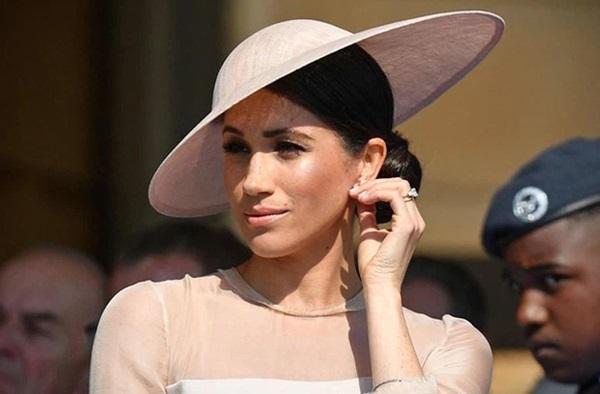 Harry khiến nhân viên cung điện khiếp sợ, tham vọng lớn nhất của Meghan được tiết lộ, gia nhập hoàng gia Anh chỉ là một nước cờ-2