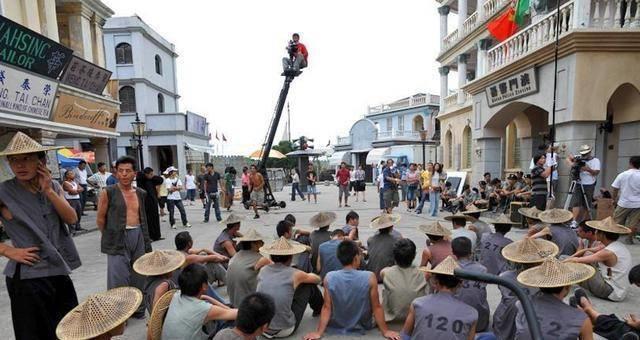 Diễn viên quần chúng bị dẫm đạp và thực tế tàn khốc ở phim trường Trung Quốc-6