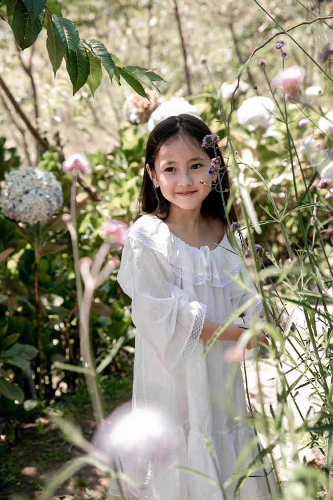 Con gái út của Hà Kiều Anh khiến cả dàn Hoa hậu đình đám phải nức nở khen ngợi mỹ nhân tương lai, nhìn ảnh mà ngỡ thiên thần-2