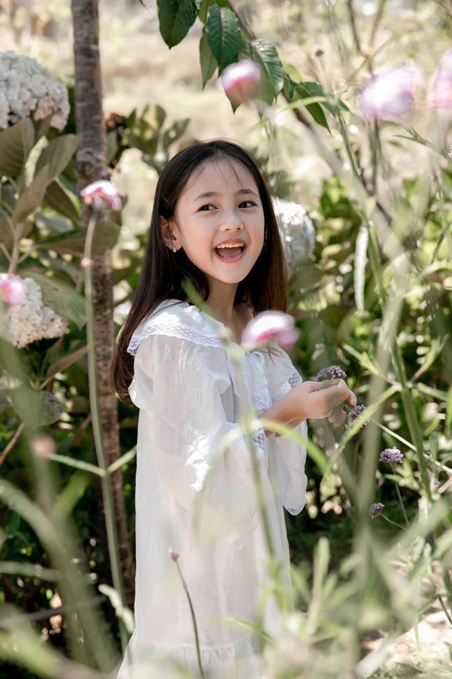Con gái út của Hà Kiều Anh khiến cả dàn Hoa hậu đình đám phải nức nở khen ngợi mỹ nhân tương lai, nhìn ảnh mà ngỡ thiên thần-3