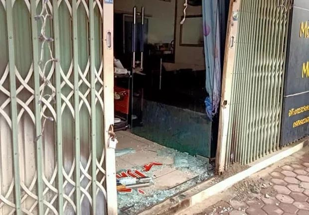 Khóa trái cửa, đổ xăng đốt tiệm cắt tóc nhằm sát hại cả nhà người yêu-1