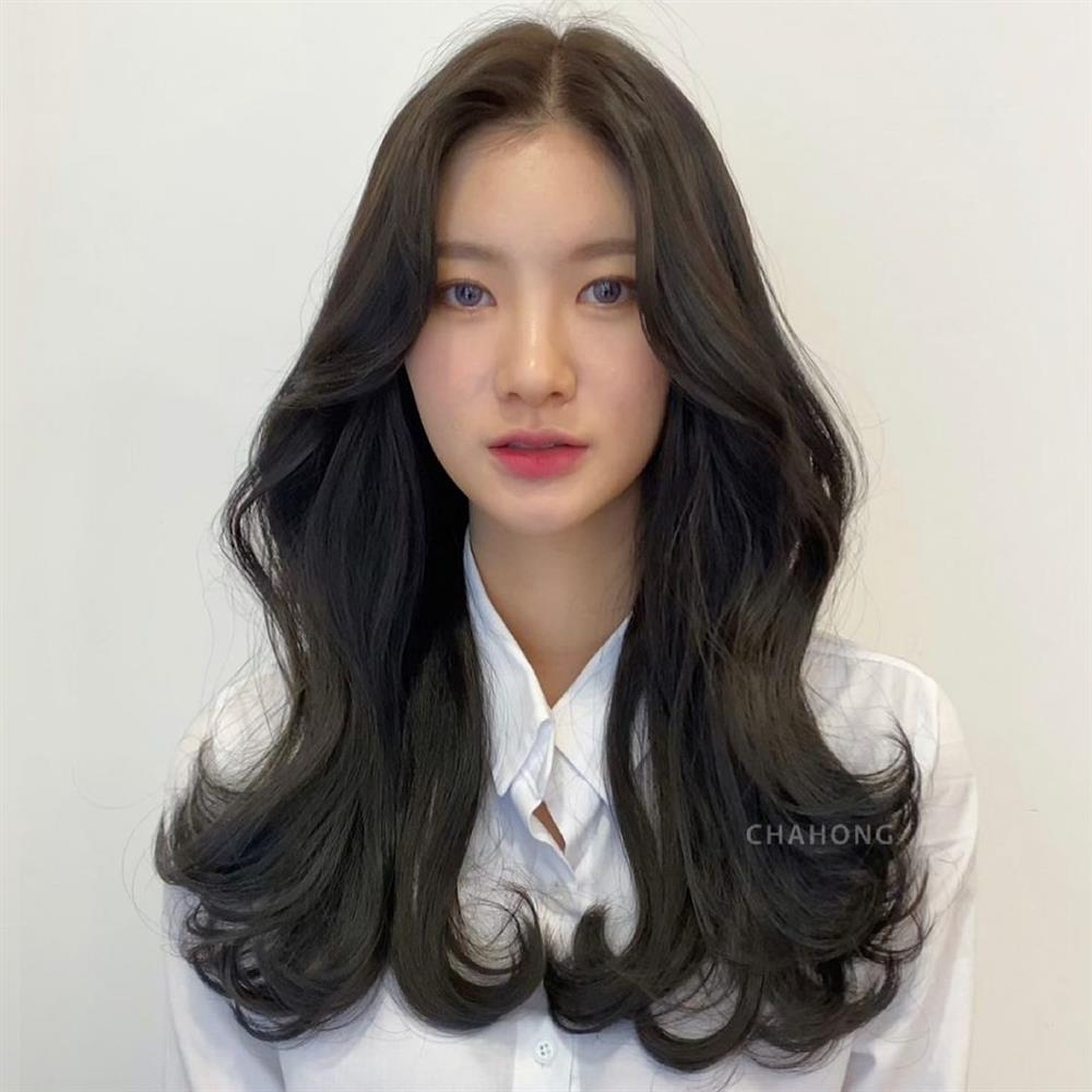 5 kiểu tóc mái siêu nhẹ mát cho mùa Hè, cam đoan là cắt xong nhan sắc sẽ xinh tươi và sang chảnh hơn bội phần-12