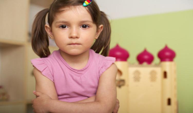 Trẻ mắc lỗi nhưng không chịu nhận lỗi? 5 gợi ý hữu ích cho cha mẹ để giúp trẻ nhận biết sai lầm, biết xin lỗi và sửa sai-4