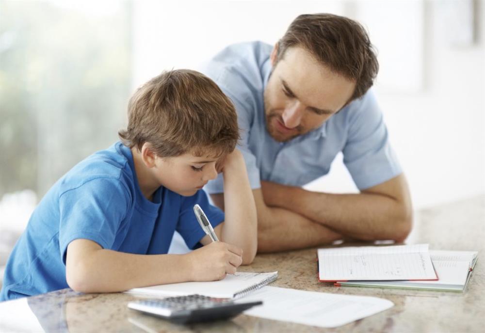 Trẻ mắc lỗi nhưng không chịu nhận lỗi? 5 gợi ý hữu ích cho cha mẹ để giúp trẻ nhận biết sai lầm, biết xin lỗi và sửa sai-3