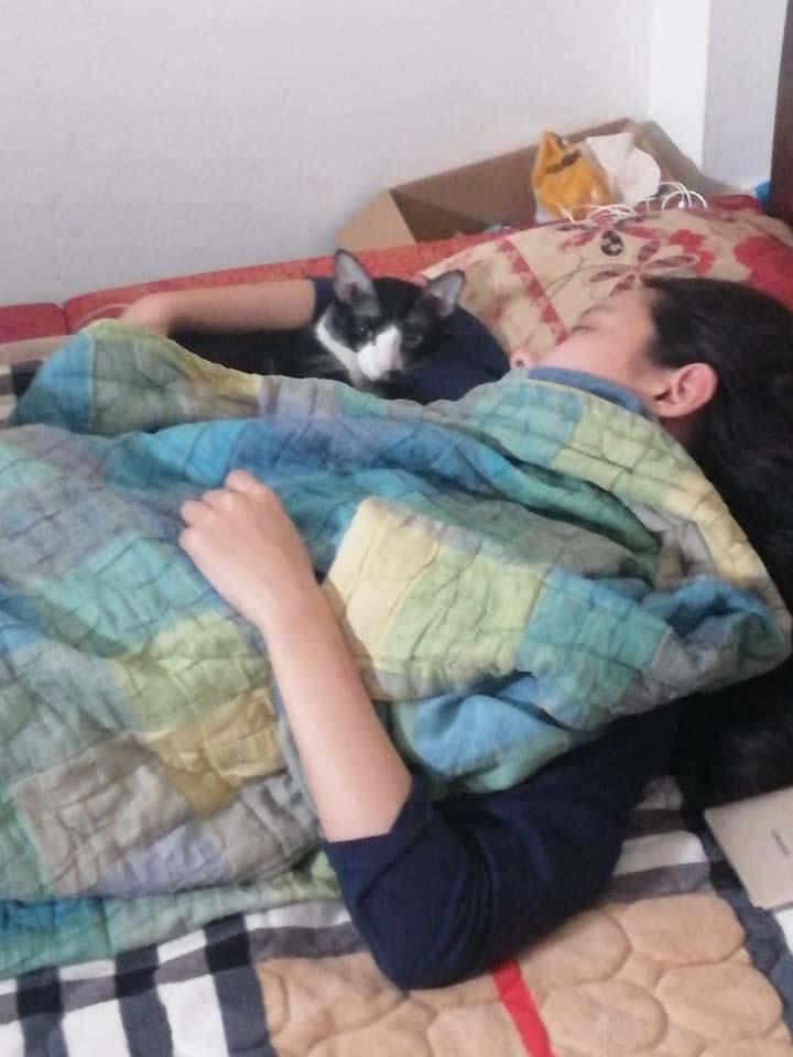 Cô gái bóc phốt chị cùng phòng ở bẩn, dẫn bạn trai về chơi nhưng thiếu ý tứ, tạo đủ tư thế nóng mặt trên giường-2