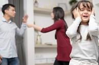 4 điều cha mẹ không được làm trước mặt con cái để tránh bị sụp đổ hình tượng, lại giúp trẻ không bị lệch lạc nhận thức