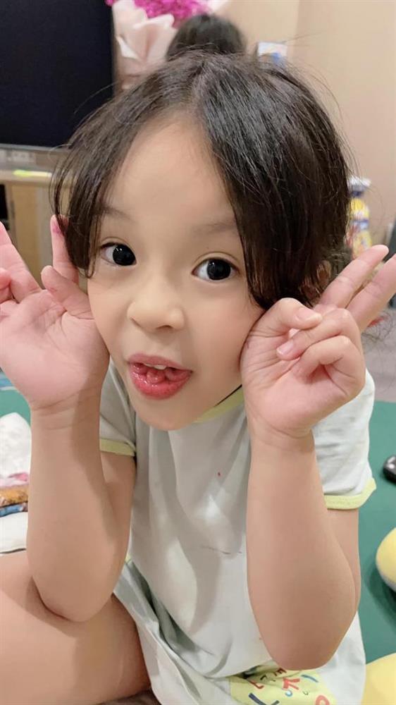 Vợ Hồng Đăng ngỡ ngàng phát hiện khả năng hiếm có của con gái út, hiếm đến mức cả triệu người mới có một-2
