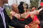4 tên cướp đột nhập một gia đình gốc Việt ở Mỹ, trói cặp vợ chồng rồi đánh đập, cướp hết tài sản trước mặt cô con gái 7 tuổi-4