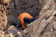 Hà Nội: Đang thi công công trình bất ngờ phát hiện người đàn ông nằm dưới lòng đất sâu 2m?